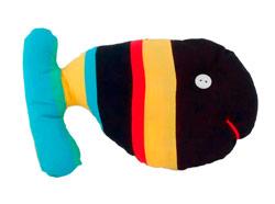 Ninot de roba. Un peix, fet a partir de retalls de roba reaprofitats.